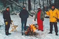 Klaba, Flozzy och Aphängarn grilla på Årstavikens in jan 2003