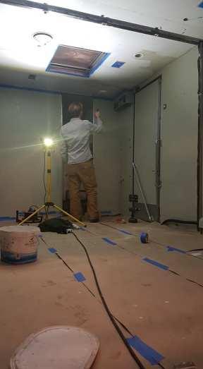 BP målar tak och väggar